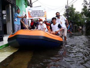 Pos Indonesia Kirim Bantuan Korban Gempa Majene dan Banjir Kalsel