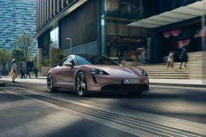 Bidik Golongan Menengah, Varian Termurah Porsche Taycan Dihadirkan