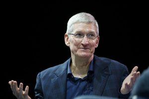 CEO Apple Diketahui Pernah Beri Hadiah Mac Pro Kepada Donald Trump