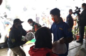 Cegah Kerumunan, Posko Penyaluran Bantuan Dipindah ke Kantor Kecamatan Cisarua