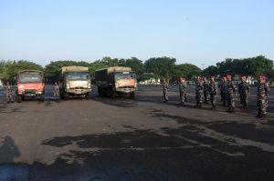 Marinir Kirim 3 Truk Logistik untuk Korban Bencana di Sulbar dan Kalsel