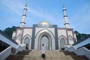 Masjid Al Aqsha di Tangsel Luncurkan LAZ dan Program Scholarship