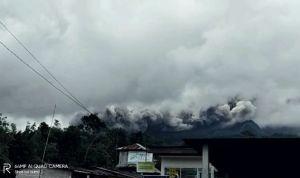 Aktivitas Gunung Merapi Masih Tinggi, Warga Diminta Tetap Jaga Jarak 5 Km