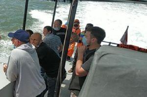 Kapal Pengangkut 20 Warga Ukraina Terbalik di Teluk Balikpapan