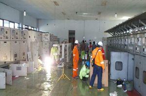 Banjir Kembali Genangi Karawang, Demi Keselamatan Warga Puluhan Gardu Listrik Dipadamkan