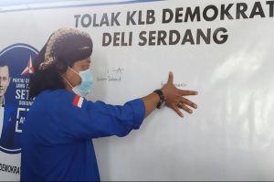 Lawan Kudeta Moeldoko, Kader Demokrat Sragen Cap Jempol Darah Siap Mati untuk AHY