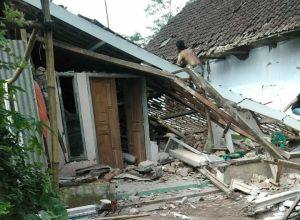 Gempa Malang Akibatkkan Sembilan Warga Blitar Luka luka