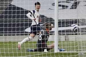 Babak I: Manchester United Tertinggal dari Tottenham