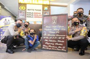 Tangis Bahagia Pecah, Penyandang Disabilitas Sampaikan Tanda Cinta untuk Kapolresta Malang Kota