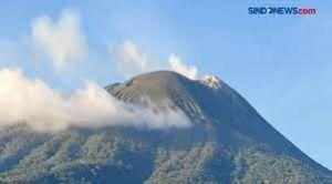 Gunung Lewotolok Kembali Erupsi, Ketinggian Abu Vulkanik Capai 750 Meter