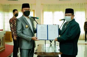 Bupati Sukandar Lantik Pengurus Baznas Kabupaten Tebo