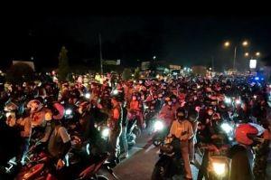 Gagal Tembus Karawang, Ribuan Pemudik Motor Dipaksa Putar Balik ke Bekasi