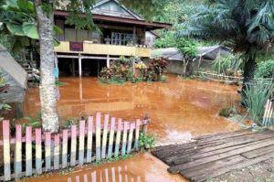 Tanggul Tambang di Kolaka Jebol Genangi Pemukiman dan Kebun, Warga Datangi PT CNI