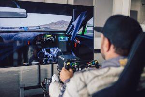 Bentley dan Fanatec membuat terobosan dengan membuat palang kemudi yang ternyata bisa dipasang ke perangkat video game simulator dan mobil balap. Seperti apa?