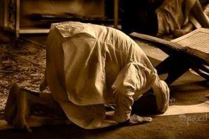 Takut Kiamat: Ini Doa Abu Hanifah yang Selalu Diulang-ulang Saat Sholat Malam