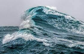 Waspadalah! BMKG Peringatkan Potensi Gelombang Sangat Tinggi hingga 6 Meter
