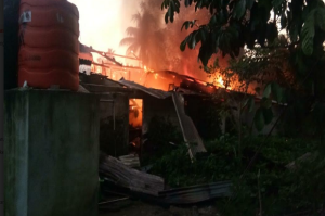 Jelang Magrib Rumah Warga Desa Lampur Bangka Tengah Ludes Terbakar
