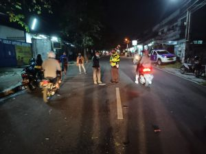 Sopir Pickup Ugal-ugalan di Jalan Hantam 3 Sepeda Motor di Sukabumi