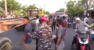 Senggol Mobil di Depannya, Pemotor di Medan Tewas Terlindas Angkot
