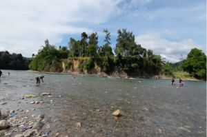 Sensasi Wisata Sungai Eksotis di Pedalaman Aceh dengan Oleh-oleh Ikan Kerling Asap
