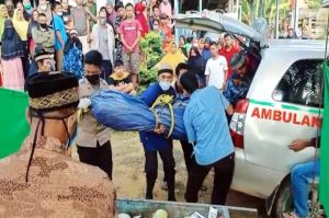 Korban Pembunuhan Berantai! Kakek Sugiono, Istri dan Cucunya Ditemukan Tewas di Kebun Sawit