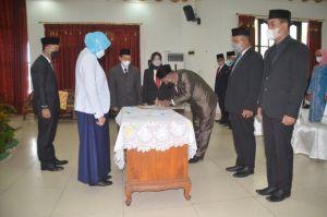 Bupati Barito Kuala Melantik dan Mengambil Sumpah 111 Pejabat Baru