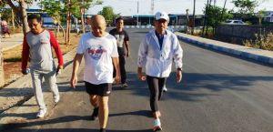 Saleh Husin dan Menkop UKM Teten Masduki Jalan Pagi di Kota Kupang