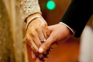 Tak Melulu Wanita, Para Suami Juga Dianjurkan Berdandan untuk Istrinya