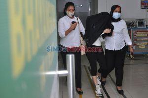 Diduga Terlibat Prostitusi Online, Polisi Tangkap Artis Hana Hanifah