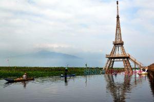 Menikmati Menara Eiffel Bambu di Pusaran Danau Rawapening