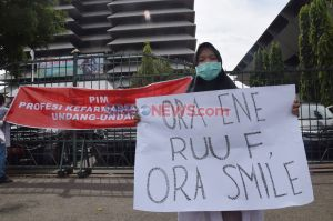 Mahasiswa Semarang Gelar Aksi Peringati Hari Farmasi Sedunia