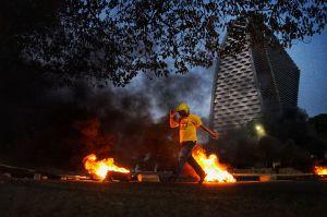 Mahasiswa di Makassar Lanjutkan Aksi Tolak Omnibus Law Cipta Kerja
