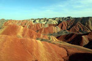 Indahnya Bukit Warna-Warni Taman Bumi Danxia di China