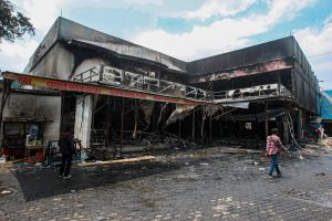 Kebakaran Swalayan di Cilandak Diduga Akibat Korsleting Listrik