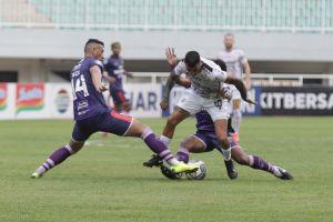 Liga 1 Indonesia : Bali United Tundukkan Persita 2-1