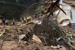 Dampak Gempa di Kintamani Bali
