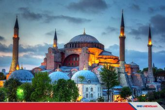 Sejarah Panjang Hagia Sophia