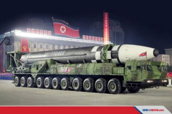 Truk Monster Pembawa Rudal Raksasa Milik Korea Utara
