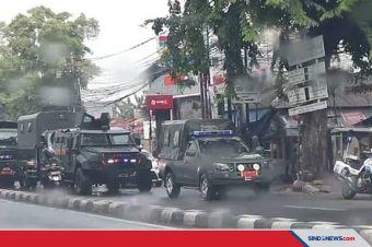 Rantis Koopssus TNI Show of Force di Depan Markas FPI
