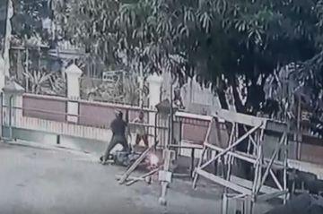 Viral, Aksi Heroik Marbot Duel Menggagalkan Pencurian Kotak Amal