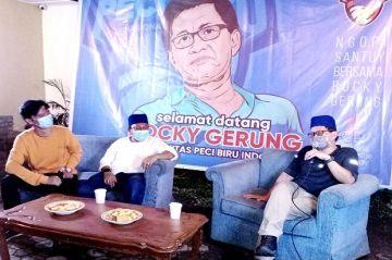Datang ke Medan, Rocky Gerung Ajak Milenial Tolak Oligarki dan Nepotisme