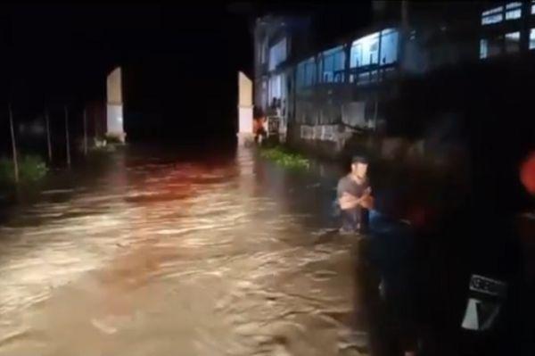Banjir Bandang Terjang Masamba Luwu Utara, Ribuan Rumah Terendam