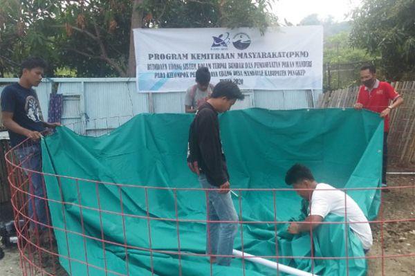 PKM Stitek Laksanakan Program Budidaya Udang Sistem Kolam Terpal Bundar di Mandalle