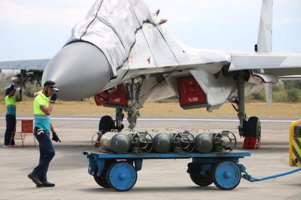 Jet-jet Tempur TNI AU Dari 3 Skadron Udara Bombardir Lumajang