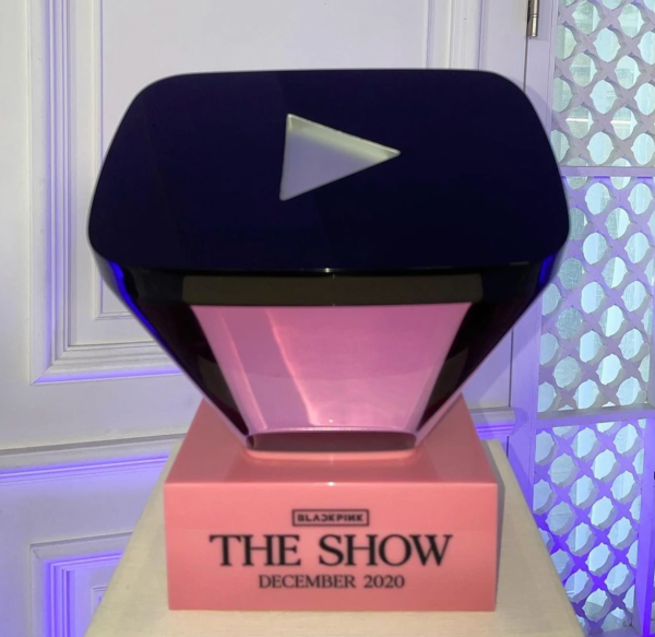 Tembus 50 Juta Subscribers di YouTube, Ini Penampakan Ruby Play Button Milik Blackpink