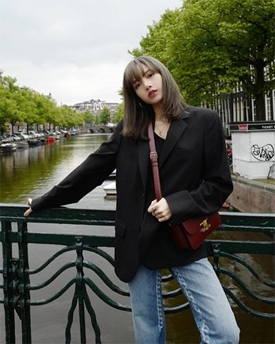 5 Gaya Fashion Lisa BLACKPINK, Chic hingga Retro