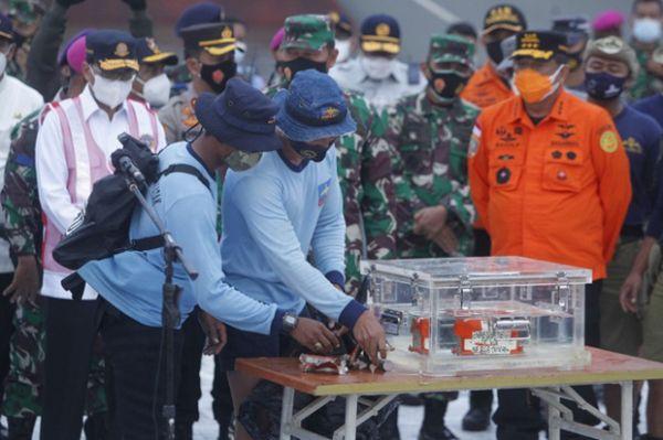 Asal usul kotak hitam Sriwijaya Air SJ-182 Jatuh di 182 ribu pulau