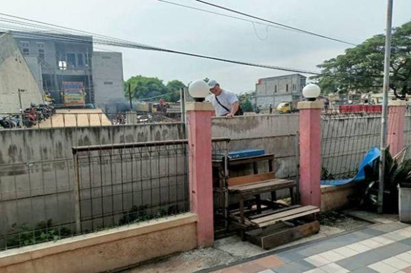 Rumah di Ciledug Dipagari Beton, Wali Kota Tangerang: BONGKAR!!!