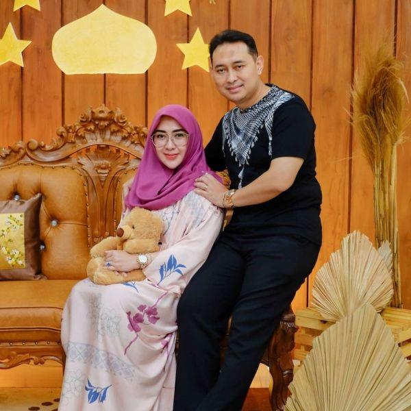 5 Gaya Glamor Yuni Sophia, Istri Bupati Nganjuk yang Ditangkap KPK