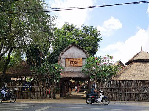 Desa Sade, Tujuan Wisata di Lombok yang Unik dan Bernilai Budaya
